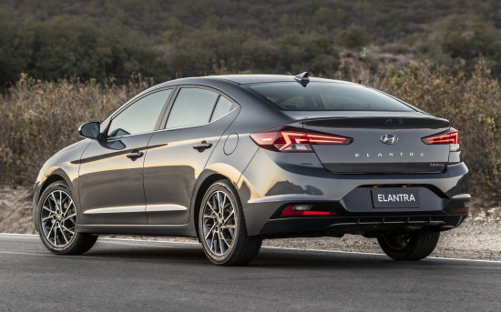 Hyundai Elantra 6 AD